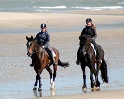 Paardrijden op het strand van Noordwijk